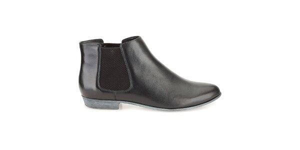 Dámské kožené černé lesklé chelsea boty Clarks