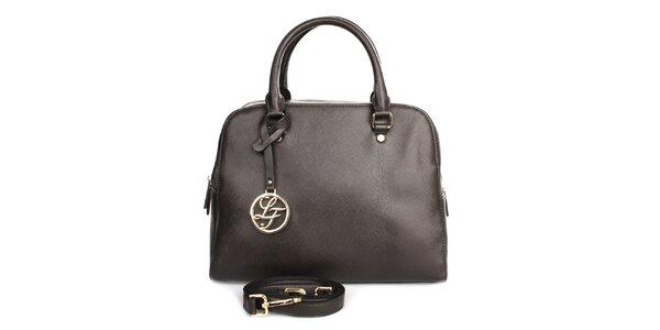 Dámská tmavě hnědá kabelka s přívěskem London fashion