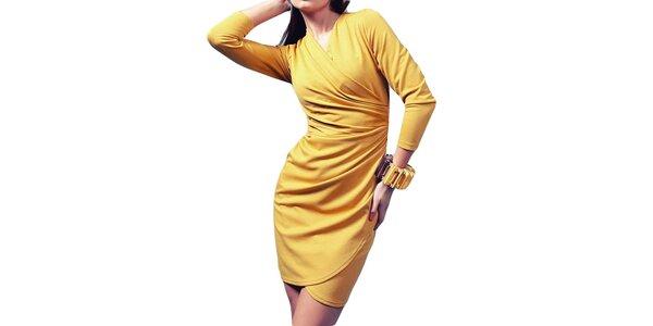 Dámské šaty se zavinovacím efektem v medovém odstínu Vera Fashion