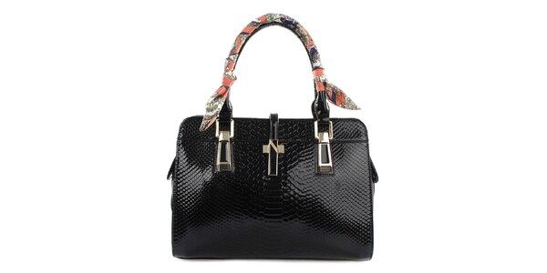 Dámská černá lesklá kabelka se šátkem na poutku Gessy