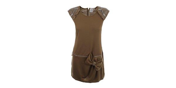 Dámská světle hnědé šaty s dekorativní aplikací Dislay DY Design