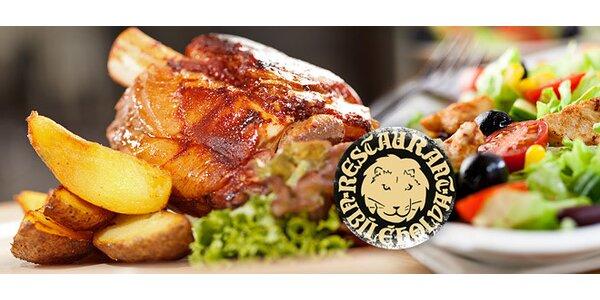 2x 1 kg pečeného vepřového kolene či kuřecí saláty