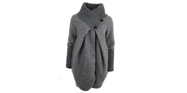 52adf90471a Dámský šedý svetr s límcem Euro Fashion