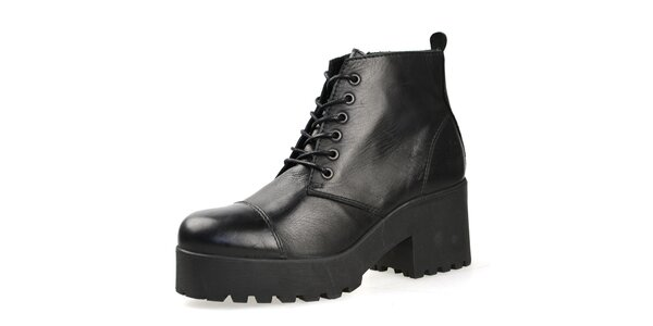 Dámské černé kotníkové boty se šněrováním Bullboxer