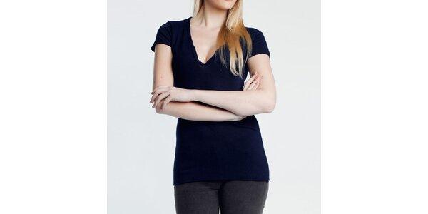 Dámské tmavomodré úpletové tričko s hlubším výstřihem a krátkými rukávy Nero su…