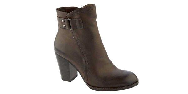 Dámské tmavohnědé kotníčkové boty na podpatku Elisabeth