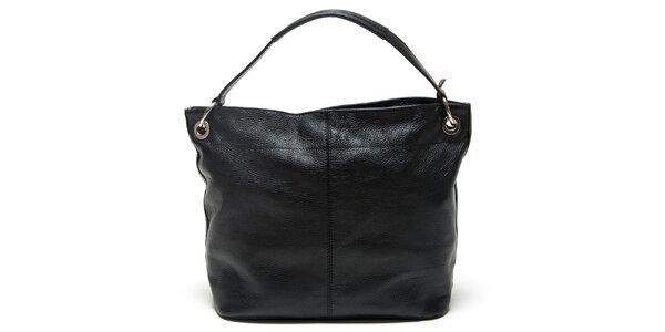 Neodolatelné dámské kožené kabelky Mangotti. Tato kampaň již skončila.  Dámská černá kabelka s vnější kapsičkou Mangotti 6cb052d5dfd