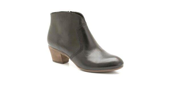 Dámské černé kotníčkové boty s ozdobným prošíváním Clarks