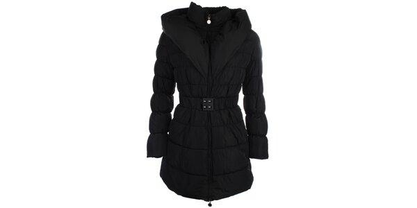 Dámský černý prošívaný kabátek s límcem Fly Moda