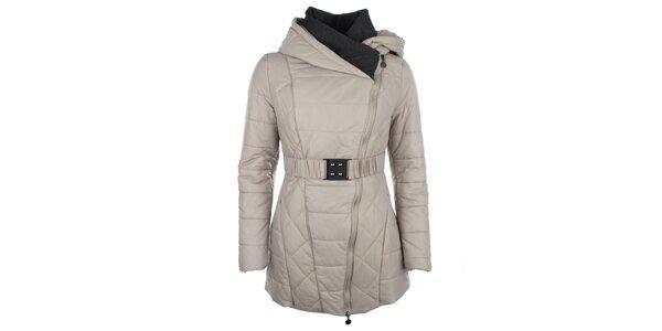 Dámský béžový kabátek se šikmým zipem Fly Moda