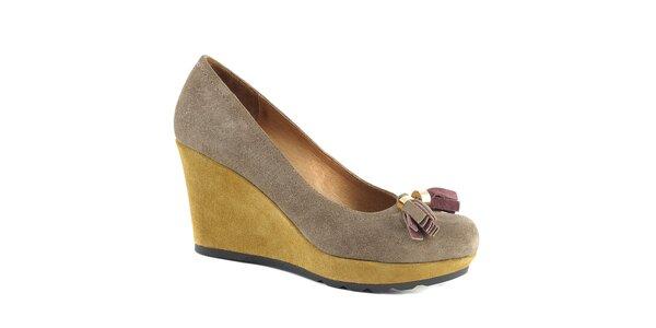 Dámské boty na klínu s třásní Café Noir