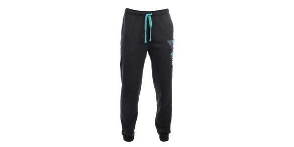 Pánské tmavě šedé teplákové kalhoty s potiskem Puma