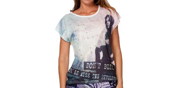 Dámské tričko s potiskem a cvočky Peace&Love