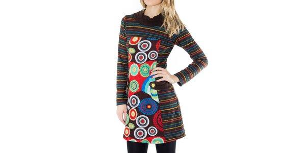 Dámské pruhované šaty s barevným vzorem First