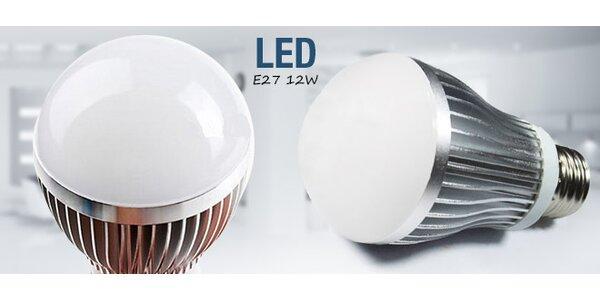 Kvalitní LED žárovka E27, 12W