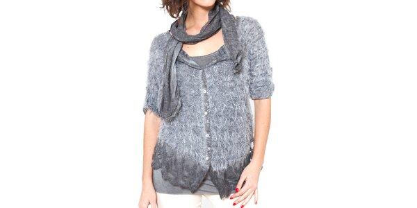 Dámský šedý chlupatý svetřík s trikem a šálou Mademoiselle Agathe