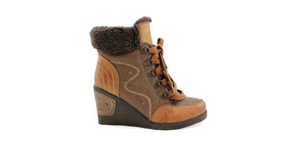 Dámské hnědé boty na klínku se šněrováním Ctogo Gogo