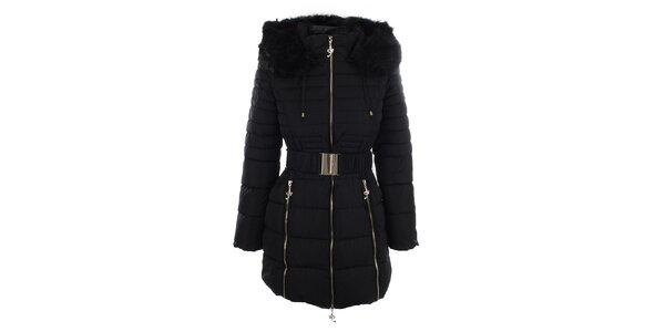 Dámský černý kabát s páskem a kožíškem Foglie Rosse