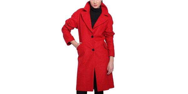 Dámský červený kabát s černými knoflíky Vera Ravenna