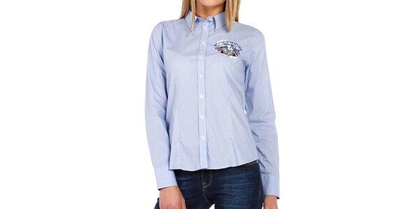 Dámská světle modrá košile s barevnými nápisy Galvanni
