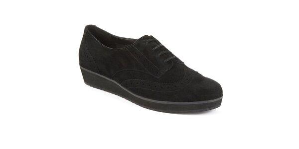 Dámské černé semišové boty s dekorativní perforací Clarks