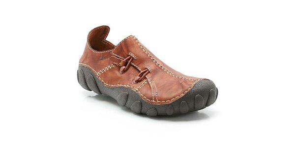 Pánské hnědé boty se vzorovanou podrážkou Clarks