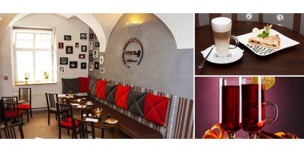 Svařák, káva, zákusky v kavárně BrewCoff na Málem náměstí - vyberte si svou…