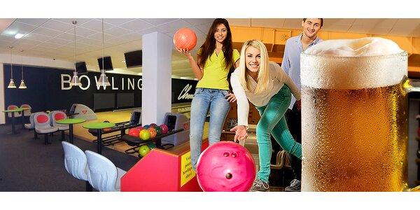 Hodina bowlingu a pivo v Bowling Baru Chmelnice