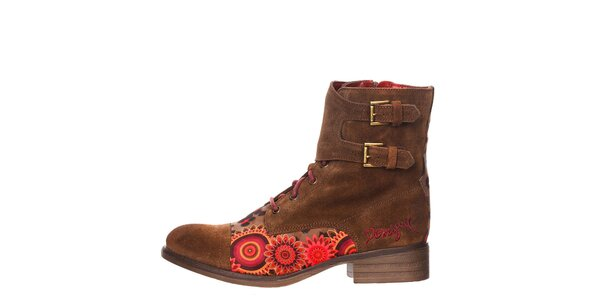 Dámské hnědé kotníkové boty s přezkami Desigual