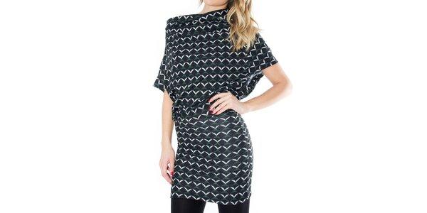 Dámské černé svetrové šaty se vzorem First
