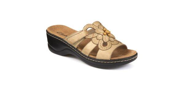 Dámské béžové pantofle s květinou Clarks