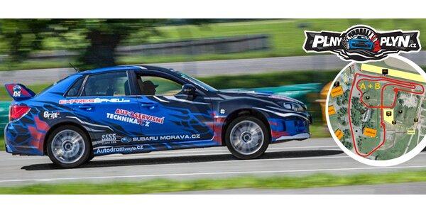2 až 4 kola na závodním okruhu v Subaru WRX STi