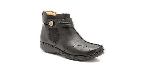 Dámské černé kotníkové boty se zipem Clarks