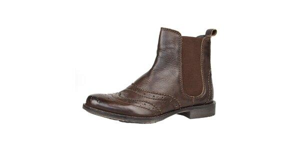 Dámské hnědé kožené boty s ozdobným perforováním Bullboxer