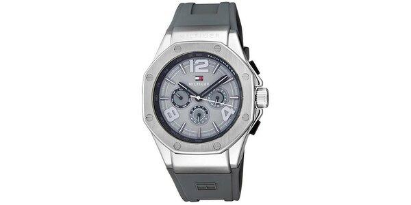 Pánské šedé hodinky se silikonovým řemínkem Tommy Hilfiger