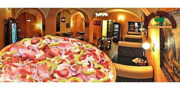 2 velké křupavé pizzy z pece v pizzerii Santa Maria