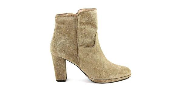 Dámské béžové semišové boty na podpatku Eye