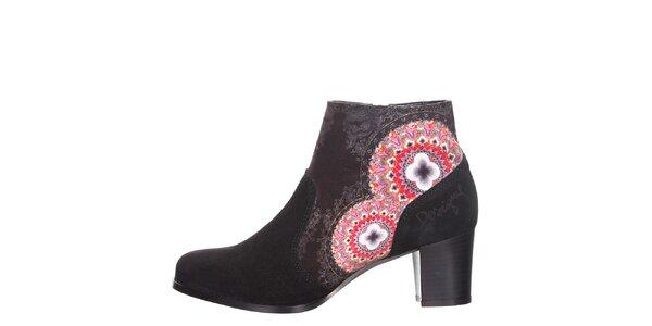 Dámské antracitové kotníkové boty s barevnými detaily Desigual