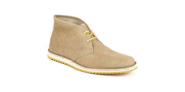 Pánské světlé kotníkové boty se žlutou tkaničkou Clarks