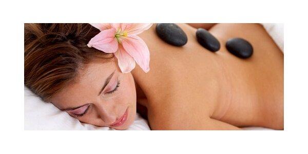 45 minutová relaxační masáž horkými lávovými kameny