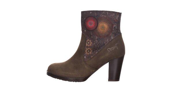 Dámské hnědé kotníkové boty se vzorem Desigual