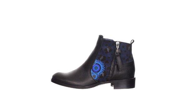 Dámské černé kotníkové boty s modrými detaily Desigual