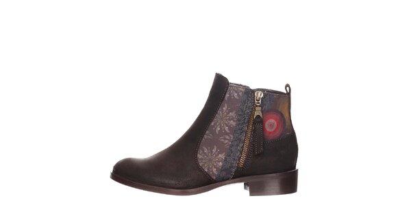 Dámské hnědé kotníkové boty s detaily Desigual