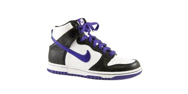 Dámské černo-bílé kotníkové tenisky Nike s fialovými detaily