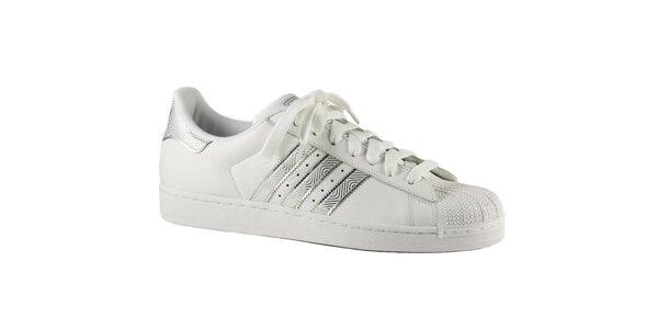 Pánské bílé tenisky Adidas se stříbrnými detaily a gumovou špičkou
