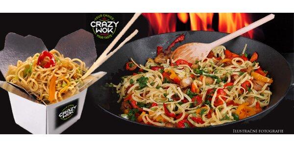 Crazy wok - nudle s tofu, kuřecím nebo hovězím masem (omáčka a pití v ceně)