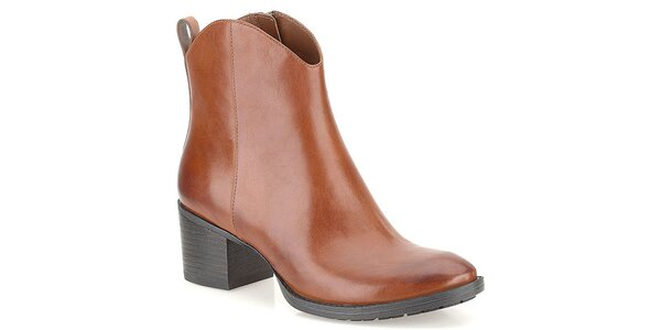 Dámské světle hnědé boty s poutkem na patě Clarks