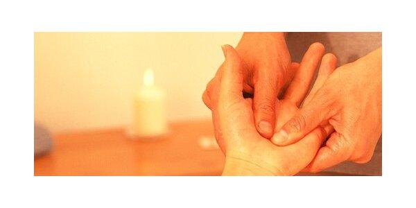 Blahodárná levandulová masáž horních končetin včetně uvolňující masáže ramen