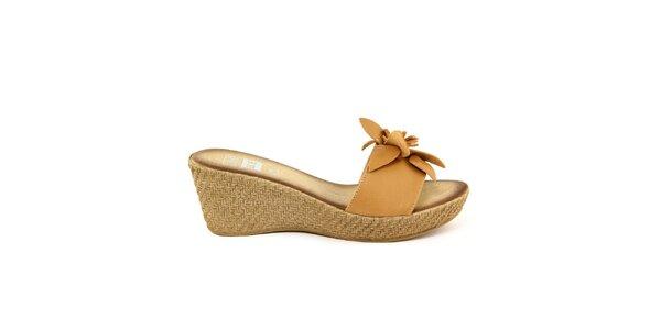 Dámské béžové kožené nazouvací sandálky s květem Julie Julie