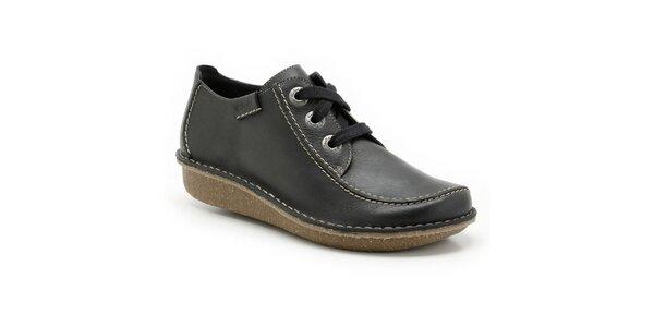 Dámské prošívané boty na zavazování Clarks